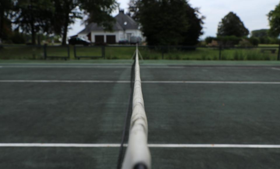 Terrains de tennis - Signé Jean