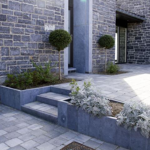 Entrée de maison et terrasse